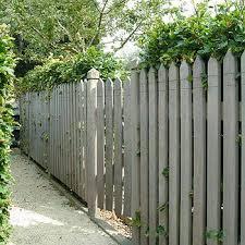cloture jardin bois clôture de jardin à barreaux en bois collstrop garden