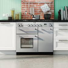 cuisine avec piano de cuisson comment choisir pianos de cuisson pour sa cuisine équipée