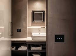 steckdosen badezimmer lichtschalter und steckdosen mit modernem design 50 ideen