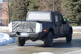jeep truck spy photos spy shots 19 jeep scrambler pickup