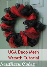 southern color tailgate tuesday uga deco mesh wreath tutorial