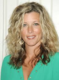 carly gh haircut laura wright actress like loose wavy hair hairstyles