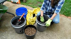 Vegetable Garden Soil Mix by How To Mix Soil For Container Gardening Youtube