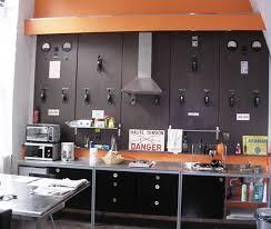 deco mur de cuisine 25 idées déco pour habiller un mur portes en métal mur et habille