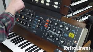 Sample Controller Moog Mini Model D W 1125 Sample And Hold Controller Youtube