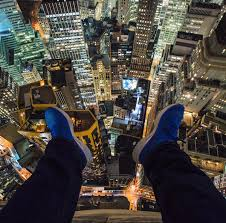 nyc photographers daredevil photographer captures snaps from nyc s highest vantage