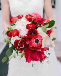 ranunculus bouquet 41 stunning ranunculus wedding bouquets martha stewart weddings