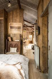 Painting Interior Log Cabin Walls by Best 25 Cabin Interiors Ideas On Pinterest Log Cabin Homes
