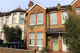 Flat For Sale by 2 Bedroom Flat For Sale In Beech Road Bounds Green London N11