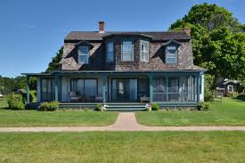 shingle style cottage oceanfront shingle style home with katharine hepburn ties asks
