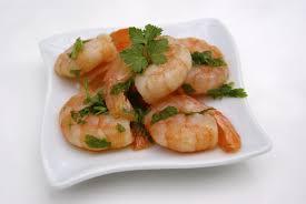 comment cuisiner les crevettes congel馥s crevettes marinées à l huile d olive et au citron la p tite