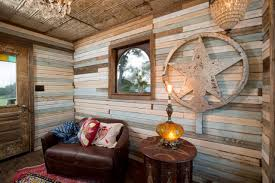 gypsy living room the junk gypsies brought bohemian style to the treehouse living