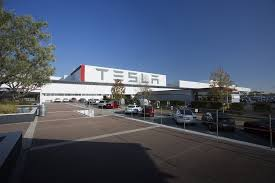 tesla fires hundreds of employees in the midst of model 3