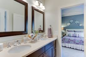Jack And Jill Bathroom Cream Subway Ceramic Bathroom Tile Shower Head Glass Shower Cabin