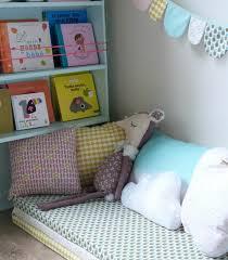 sol chambre bébé matelas au sol pour bébé tete de lit a poser au sol el bodegon