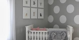 kinderzimmer grau weiß wandfarbe grau und wand streichen muster weiße punkte für neutrale