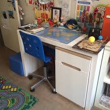 chambre enfant 8 ans sa chambre de garçon de 8 ans et demi e zabel maman