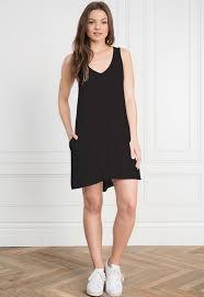 the black dress dresses at singer22