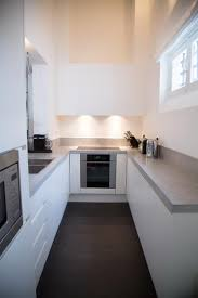 cuisine design en u cuisines petites surfaces idées de décoration capreol us