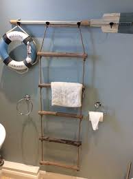 Nautical Bathroom Decor Ideas Best 25 Seaside Bathroom Ideas On Pinterest Beach Themed Rooms