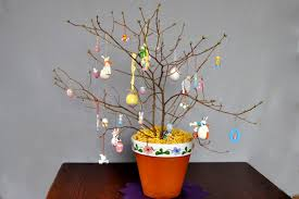Easter Decorations For Tree by Diy Easter Tree Quick Cheap And Easy Bridging The Gap