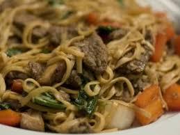 foodies recette cuisine recette nouilles chinoises sautées aux légumes et au boeuf