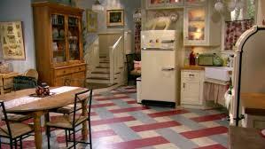 the victorian farmhouse in the sitcom