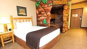 kids themed bedrooms kids themed bedrooms the wolf den accessible suite at great wolf