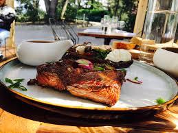 cuisine jardin mediterranean restaurant marseille sepia spots