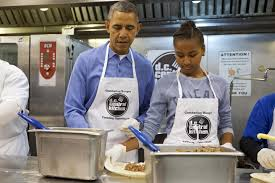 Soup Kitchen Long Island by Obama Celebrates Mlk Holiday Visits Soup Kitchen