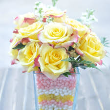 A Flower Vase How To Make A Layered Candy Filled Vase With Flowers Creative Juice