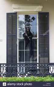 scary halloween photos free scary halloween voodoo grim reaper ghost character at mansion