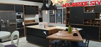 cuisine noir mat et bois décoration cuisine noir mat et bois 32 dijon 20521044 maison