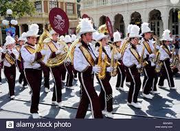 orlando thanksgiving parade high band in parade at walt disney magic kingdom theme park