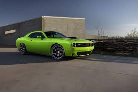 dodge challenger screensaver dodge shaking things up in ny with special edition challenger 56