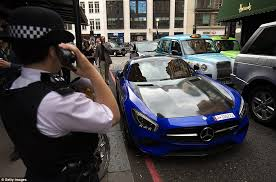 mercedes shop uk mercedes and lamborghini supercars slapped with parking tickets