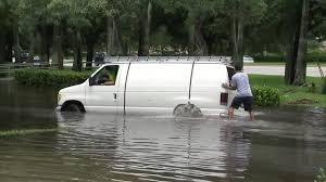 sawgrass mills mall closed because of flooding