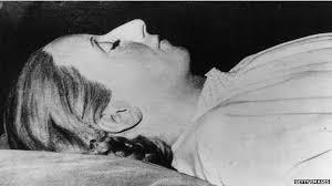 BBC Brasil - Notícias - Roubado, corpo de Evita enfrentou odisseia ...