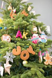 hello wonderful make gingerbread letter garlands