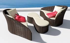 round wicker chair outdoor
