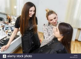 make up artist school makeup lesson at beauty school professional makeup artist