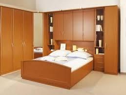 chambre a coucher avec pont de lit lit pont