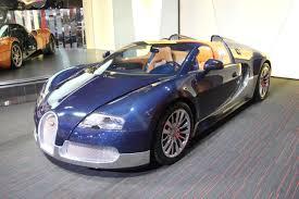 blue bugatti gorgeous blue carbon fibre and silver bugatti veyron grand sport