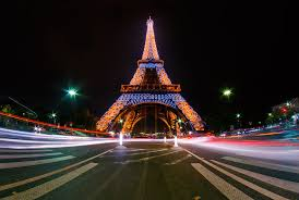 eiffel tower christmas lights eiffel tower light show travel caffeine
