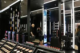 makeup artist equipment what do you look for in a makeup artist when you re looking for