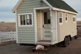 Little Cottages For Sale by Johnny Spire U0027s Luxurious Tiny House On Wheels