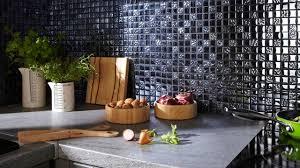 cuisine en verre crédence inox verre déco quel matériau choisir côté maison