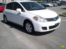 grey nissan versa hatchback 2008 fresh powder white nissan versa 1 8 sl hatchback 11015658