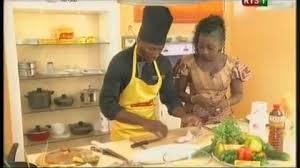 cuisine tv mon chef bien aimé vidéo ndéye ndiaye lamsal prépare du thiou kong fumée dans les