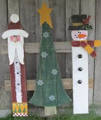 christmas trio found at thepicketyplace blogspot com christmas